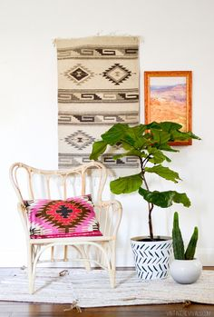 Easy DIY Painted Planter | Make this gorgeous boho planter in just a few minutes! | Art for the Home | Home Decor Projects | Vintage Revivals