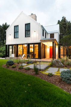 This may be my absolute favorite! Just so many things I LOVE about this house! - Architecture - homes - Style At Home, Modern Farmhouse Exterior, Colorado Homes, Dream House Exterior, Tiny House Plans, Beach House Decor, Modern Architecture, Minimalist Architecture, Exterior Design