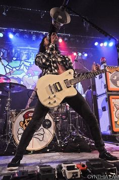 Vic Fuentes, he looks tall here