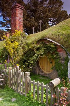 A hobbit house, I bet I it's lovely to live in.