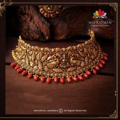 Don't Miss These Royal Looking Necklace Designs!! • South India Jewels Gold Bangles Design, Gold Jewellery Design, Antic Jewellery, India Jewelry, Temple Jewellery, Gold Jewelry, Jewelery, Gold Necklace, Jewelry Design Earrings