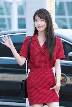IU 160729 Incheonairport departing for chongQing