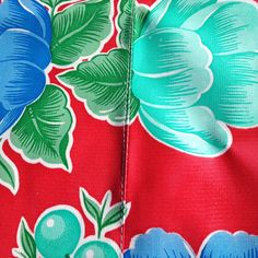 60 Oil Cloth Tablecloth Round RED Poppy NO Hole RED