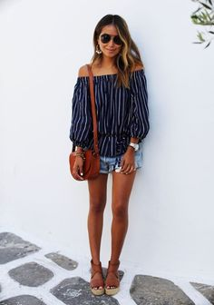 off the shoulder-stripes