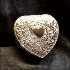 Silver Heart Jewelry Box 1960s Vintage Vanity Accessory http://www.greatvintagejewelry.com/inc/sdetail/silver-heart-jewelry-box-1960s-vintage-vanity-accessory-/13673/18727
