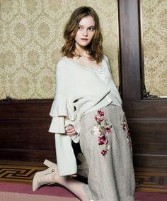 フラワー刺繍スカート / ベージュ