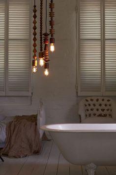 Bright Beads is een lampencollectie ontworpen door het in Sydney gevestigde Marz Design.