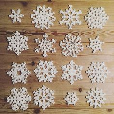 Snowflakes hama beads by tinanl