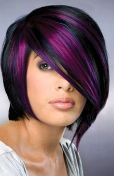 So you want to look different. You want purple hair! You can add a few purple highlights or get your whole head done. So how exactly do you go about getting purple hair? Blonde Highlights Short Hair, Hair Color Highlights, Violet Highlights, Peekaboo Highlights, Full Highlights, Caramel Highlights, Hair Color Purple, New Hair Colors, Deep Purple