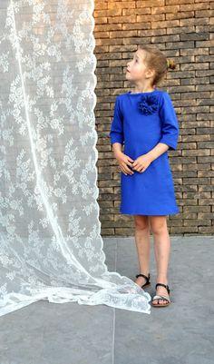 Burda 9/2012 . Mouwen iets korter gemaakt en kleed langer Burda Patterns, Clothing Patterns, Sewing Patterns, Sewing For Kids, Fashion Kids, Preppy, Kids Outfits, Cold Shoulder Dress, Girls Dresses
