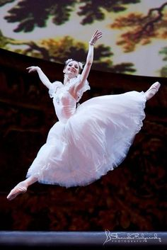 Evgenia Obratsova in La Sylphide Photo (c) Stanislav Belyaevsky