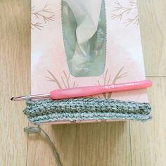 소파모양 티슈 케이스를 만들었다. 해외 사이트를 돌아다니다 아래 사진을 발견하고선 너무너무 귀엽고 예뻐서 따라 만들어 봤다. 쪼 아래 나올 도안설명은, '요래요래 하면되나..?' 하고 혼자 생각해서 따라 만.. Crochet Bunny, Knit Crochet, Clothes Hanger, Diy And Crafts, Knitting, Crochet Pattern, Amigurumi, Patterns, Hangers