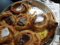 THAT is REAL Danish... and that's not melted chocolate, it's cocoa flavored…