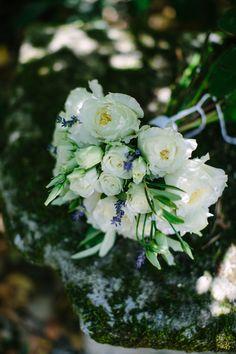 Lavender wedding bouquet - Organisation et scénogrpahie: Cigales et Petits Fours - crédit Malvina photography