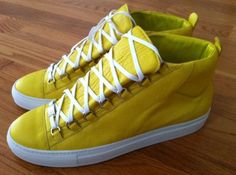 Secrets Of Sneaker Shopping. It's no surprise that a great deal of males and females simply choose to use sneakers. New Shoes, Men's Shoes, Roshe Shoes, Nike Roshe, Yellow Balenciaga, Balenciaga Spring, Balenciaga Arena Sneakers, Mens Designer Shoes, Shoe Sites