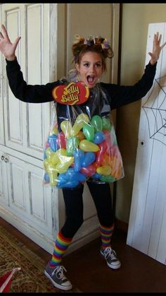What Your Halloween Costume Says About You Dress Models What Your Halloween Costume Says About You Dress Models Lea waschbaeerchen Karneval Kost m Costume Halloween Teacher Outfit fall What nbsp hellip Mom Costumes, Last Minute Halloween Costumes, Creative Halloween Costumes, Halloween Kids, Halloween Crafts, Candy Costumes, Group Halloween, Diy Costumes For Kids, Easy Diy Costumes