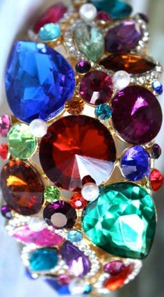 What are the birthstones for each month of the year? Find out and then use beautiful glass beads to create special birthday jewelry gifts for your friends and family. Jewel Tone Colors, Jewel Tones, Rich Colors, Makeup Trends, Jewel Tone Wedding, Purple Wedding, Wedding Colors, 12 Tribes Of Israel, Smoky Quartz