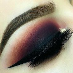 Dark lid eyeshadow | with ember colored crease color | <3