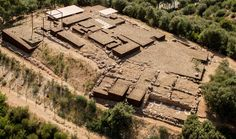 Gallery of Adaptation of The Roman Ruins of Can Tacó / Toni Girones - 12