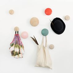 Buy The Dots Coat Hook from Muuto. The Muuto Dots Coat Hooks are produced from high quality wood. The Muuto Dot Coat hooks' sculptured design can be arr. Hook Rack, Hanger Rack, Coat Hanger, Wall Hanger, Wall Hooks, Coat Pegs, Coat Racks, Dots Muuto, The Dot