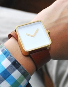 This a cute watch, but the OCD in me would try to constantly straighten it out...and that would be bad!