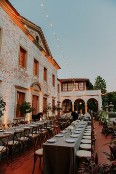 Tuscan-Inspired Reception Space