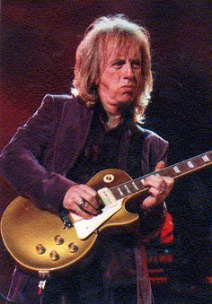 Happy Birthday Brad Whitford (Aerosmith) ( February 23,1952) Aerosmith, Brad Whitford, Joe Perry, Les Paul, Playing Guitar, Rock And Roll, Toms, Pure Products, Boston