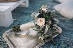 bridal bouquet with peach roses and succulents #bridal #bridalstyle #bohemian #elopement