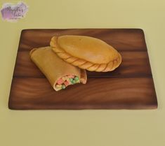 My contribution to the food cake challenge. Delicious cornish pasties :-D Cornish Pasties, Cake Art, Cake Recipes, Cake Decorating, Challenges, Desserts, Type 3, Beverage, Theater