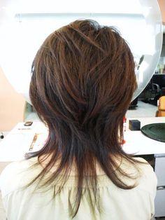 Pin on hairstyles Medium Layered Hair, Short Hair With Layers, Medium Hair Cuts, Short Hair Cuts, Medium Hair Styles, Short Hair Styles, Modern Shag Haircut, Long Shag Haircut, Edgy Haircuts