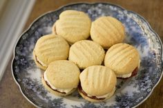 I love a good homemade Monte Carlo. I hope these live up to the statement. OMG – It's Catherine Roberts' Monte Carlo Biscuits Tea Recipes, Sweet Recipes, Dessert Recipes, Cooking Recipes, Desserts, Monte Carlo Biscuits, Biscuit Cookies, Baking Cookies, High Tea Food