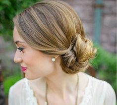 Low side bun--7 Quick but Cute Hairstyles for Work - Glam Bistro