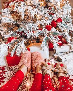 Christmas Time Is Here, Christmas Mood, Pink Christmas, Christmas Deco, Christmas Colors, All Things Christmas, Christmas Themes, Merry Christmas, August Themes