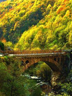 The scenery around this bridge is spectacular - Autumn Bridge, Rugova Gorge, Kosovo. Albania, Places To Travel, Places To See, Beautiful World, Beautiful Places, Bosnia Y Herzegovina, Destinations, Thinking Day, Covered Bridges