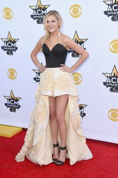Kelsea Ballerini Photos - Singer Kelsea Ballerini attends the Academy Of Country Music Awards at AT&T Stadium on April 2015 in Arlington, Texas. - Academy Of Country Music Awards - Arrivals American Country Music Awards, Academy Of Country Music, Country Music Artists, Country Singers, Kelsea Ballerini Hot, Music Dress, Dream Music, Zara Larsson, Chris Young