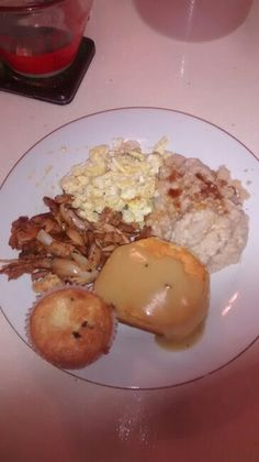Chicken sauteèd w/onions, oatmeal w/brown sugar 15calories, eggs w/green onions, biscuit and gravy, blueberry muffins