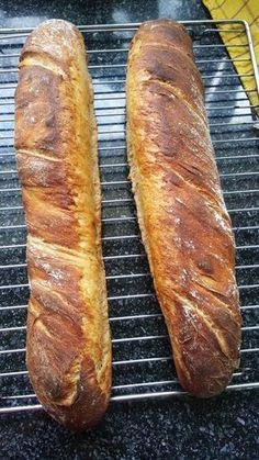 New Recipes, Cake Recipes, Sourdough Recipes, Ciabatta, How To Make Bread, Bread Baking, Hot Dog Buns, Good Food, Food And Drink
