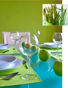 Blue and Green Dining Table Decor Ideas: Blue and Green Dining Table Decor Ideas Aqua Dining Rooms, Green Dining Room, Green Table, Dining Room Walls, Dining Room Colour Schemes, Dining Room Paint Colors, Popular Paint Colors, Green Paint Colors, 2 Colours