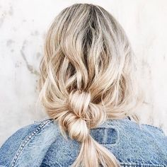 Some wednesday inspo! 💙 #hairinspo #hairofinstagram #hairdresser #blonde #longhairdontcare #brainwashkappers #bun #braid