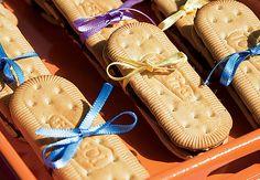 As bolachas de maisena com recheio de Nutella integram as sobremesas. Na bandeja, aparecem com charme extra: uma fitinha de cetim amarrando os dois lados dos sanduíches Evelyn Müller / Casa e Jardim