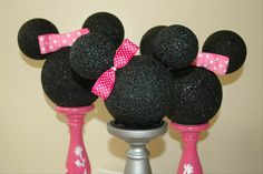 Minnie Mouse party decor, diy with styrofoam and black glitter paint?
