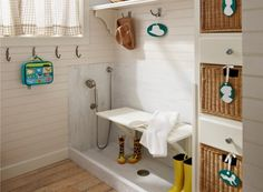 Mudroom Dog Shower - Design photos, ideas and inspiration. Amazing gallery of interior design and decorating ideas of Mudroom Dog Shower in garages, laundry/mudrooms by elite interior designers. Mudroom Laundry Room, Bench Mudroom, Laundry Area, Dog Rooms, Dog Shower, Shower Basin, Shower Seat, Shower Hose, Home Decor