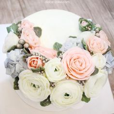 For my lovely sister :) . #flowercake#flower#장미#baking#weddingcake#wedding#케이크#베이킹#플라워케이크#flowercakeclass#bakingclass#하노이#koreanbuttercreamflowercakeclass#rose#bouquet#fiore#torta#buttercream#buttercreamflowercake#koreanflowercake#koreanbuttercreamflowercake#韓式唧花#작약#weddingcake#birthdaycake#instacake#韓式擠花#鮮花蛋糕