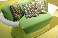 I want a bathtub sofa like this!  I loved the one in Breakfast at Tiffany's, and I would <3 <3 <3 one!