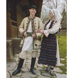 Folk Fashion, Ethnic Fashion, Folk Costume, Costume Dress, Ethnic Diversity, Young Frankenstein, Costumes Around The World, Folk Style, Medieval Clothing