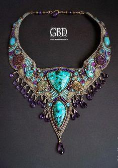 Guzel Bakeeva is famous talented bead artist from Russia. She makes unique beade… - Perlen Schmuck Jewelry Crafts, Jewelry Art, Beaded Jewelry, Handmade Jewelry, Fashion Jewelry, Jewelry Design, Beaded Necklace, Beaded Bracelets, Unique Jewelry