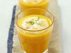Karottenkaltschale mit Surimi-Creme und Limette ist ein Rezept mit frischen Zutaten aus der Kategorie Südfrucht. Probieren Sie dieses und weitere Rezepte von EAT SMARTER!