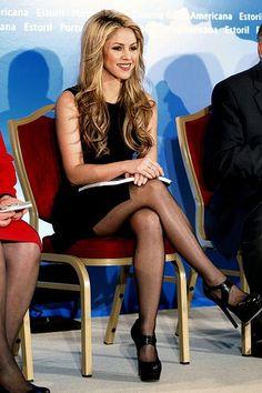 Shakira - hot legs in black pantyhose Nylons, Black Pantyhose, Shakira Style, Shakira Hair, Shakira Mebarak, Pantyhosed Legs, Beautiful People, Beautiful Women, Nice Legs