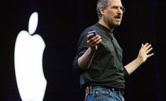 This is a business communications coach study of former Apple CEO Steve Jobs, to uncover his biggest secrets to innovation and staying ahead of the game. Steve Wozniak, Apple Steve Jobs, Graduation Speech, Leadership Qualities, Best Careers, Successful People, Career Advice, Storytelling, How To Become