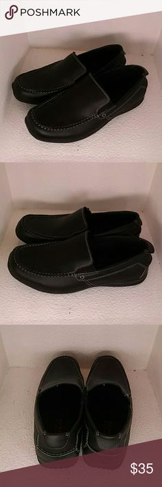 Perry Ellis America Men's Size 11 W Perry Ellis America Men's Size 11W. Upper in excellent condition and soles are excellent showing no noticable wear. Perry Ellis Shoes Loafers & Slip-Ons